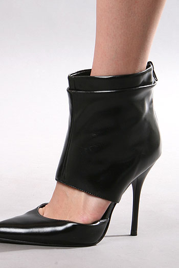 Cover Point Heels